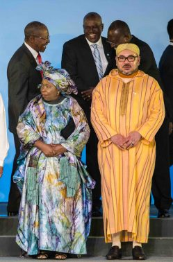 African Union Chairperson Nkosazana Dlamini-Zuma (L) stands next to Morocco's King Mohammed VI during the group photograph at the India-Africa Forum Summit in New Delhi on October 29, 2015.  Indian Prime Minister Narendra Modi will spell out his vision for the future of his country's economic relations with Africa, as he addresses the major India-Africa Forum Summit in New Delhi.  AFP PHOTO /ROBERTO SCHMIDT / AFP PHOTO / ROBERTO SCHMIDT