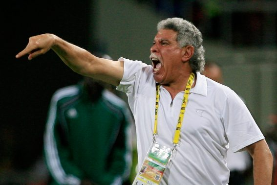 Egypt's head coach Hasan Shehata shouts for his players in the last minute of their quarter final match in the African Cup of Nations CAN2010 at the Ombaka stadium in Benguela on January 25, 2010. Egypt won 3-1. AFP PHOTO / KHALED DESOUKI / AFP PHOTO / KHALED DESOUKI