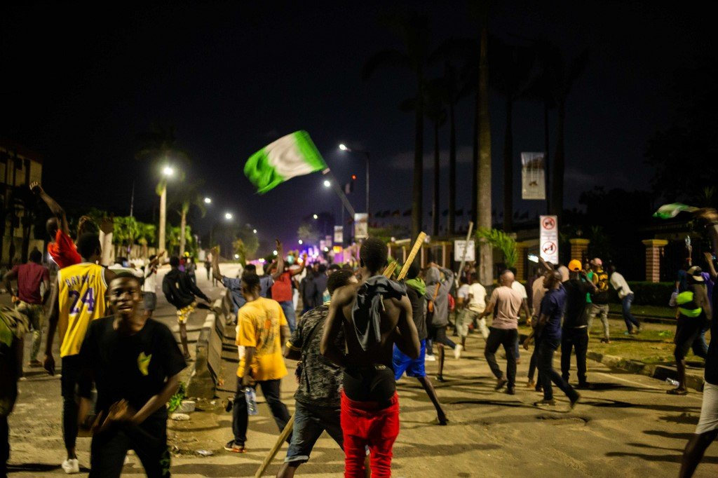 Nigeria: Tide turns against government following violence against protestors